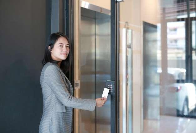 Controle de acesso para empresas