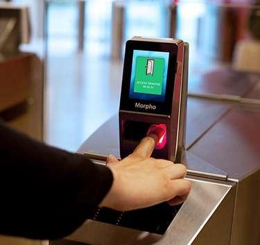 Instalação de controle de acesso biometrico