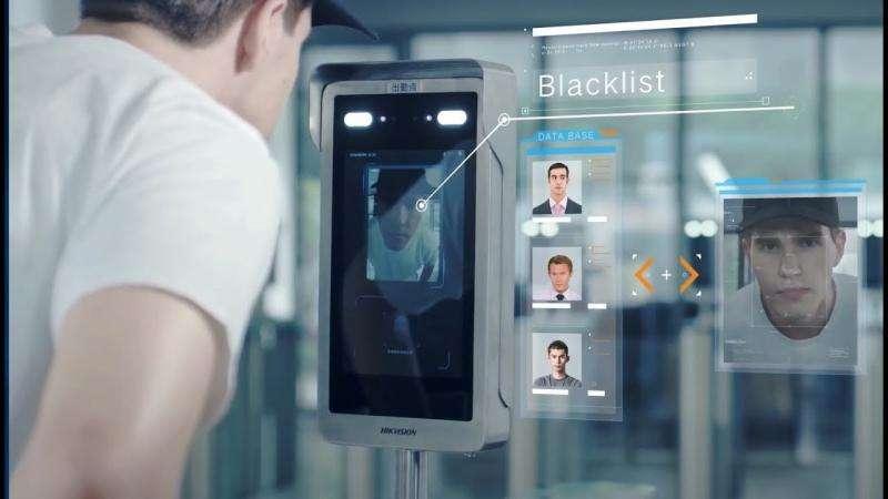 Leitor de biometria facial para controle de acesso