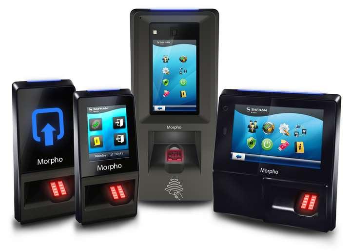 Sistema de controle de acesso com biometria da digital
